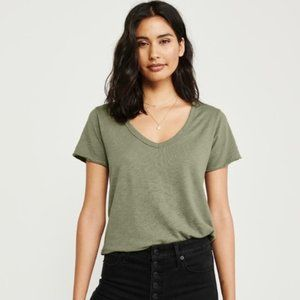 Abercrombie & Fitch V-Neck Tee